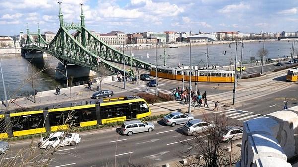 Budapesti közlekedés - autó